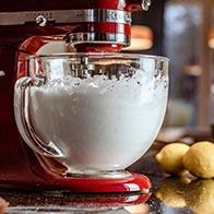 Mehr Volumen mit dem Schneebesen für KitchenAid